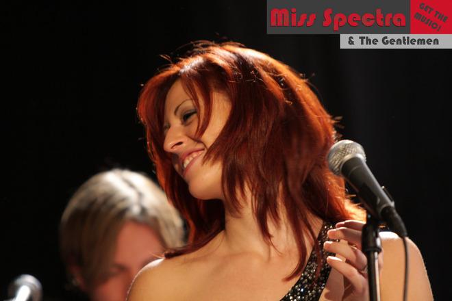 01-Miss-Spectra-kl