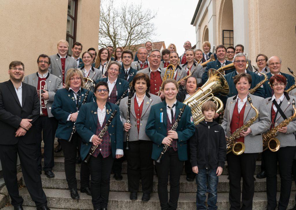Spielgemeinschaft MVB/MVR beim Konzert am Abend in der kath. Kirche Rechberghausen am 18. April 2016
